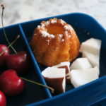 Muffin al cocco in una lunch box personalizzata